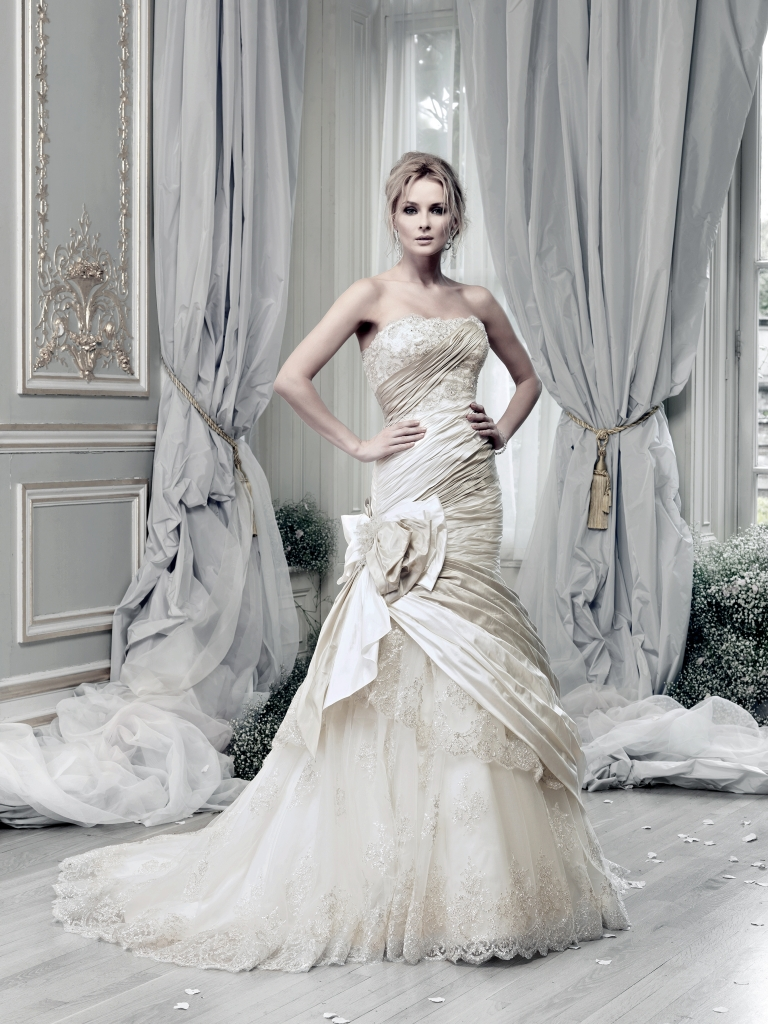 how much are ian stuart wedding dresses 95