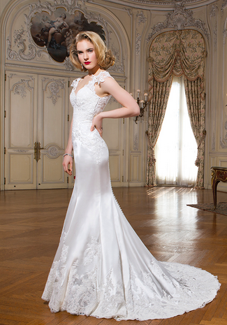 Tips for Choosing a Wedding Dress for Your Body Shape -