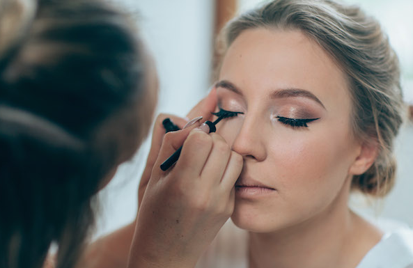 https://www.youneedmymascara.com/wedding-makeup-tutorial/